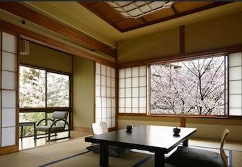 檜内風呂付き客室|Jinya Ryokan