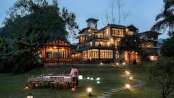 Moondance Hotel