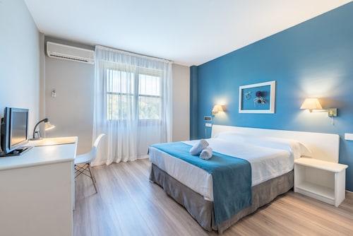 __{offers.Best_flights}__ Hotel Jakue