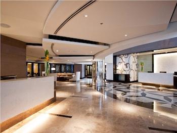 Quest Hotel Cebu Lobby