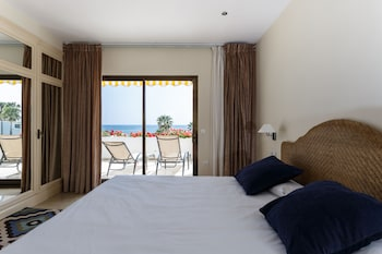 珊瑚海灘飯店