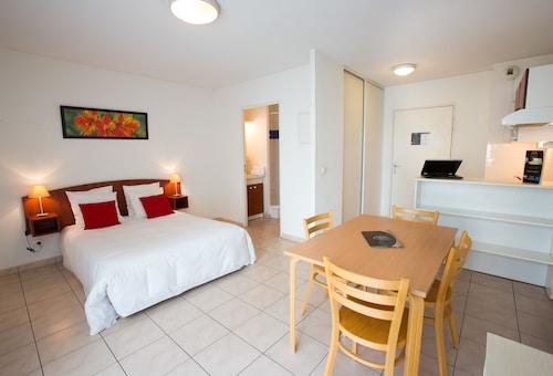 All Suites Appart Hotel Merignac,Bruges Station