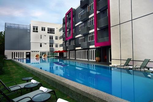 . favehotel Cenang Beach - Langkawi
