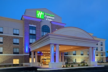 Holiday Inn Express and Suites Columbus Edinburgh