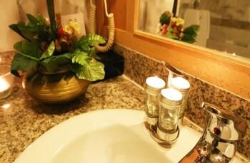 Poipet Resort Casino - Bathroom  - #0