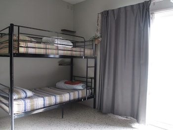 Standard Shared Dormitory, Women only