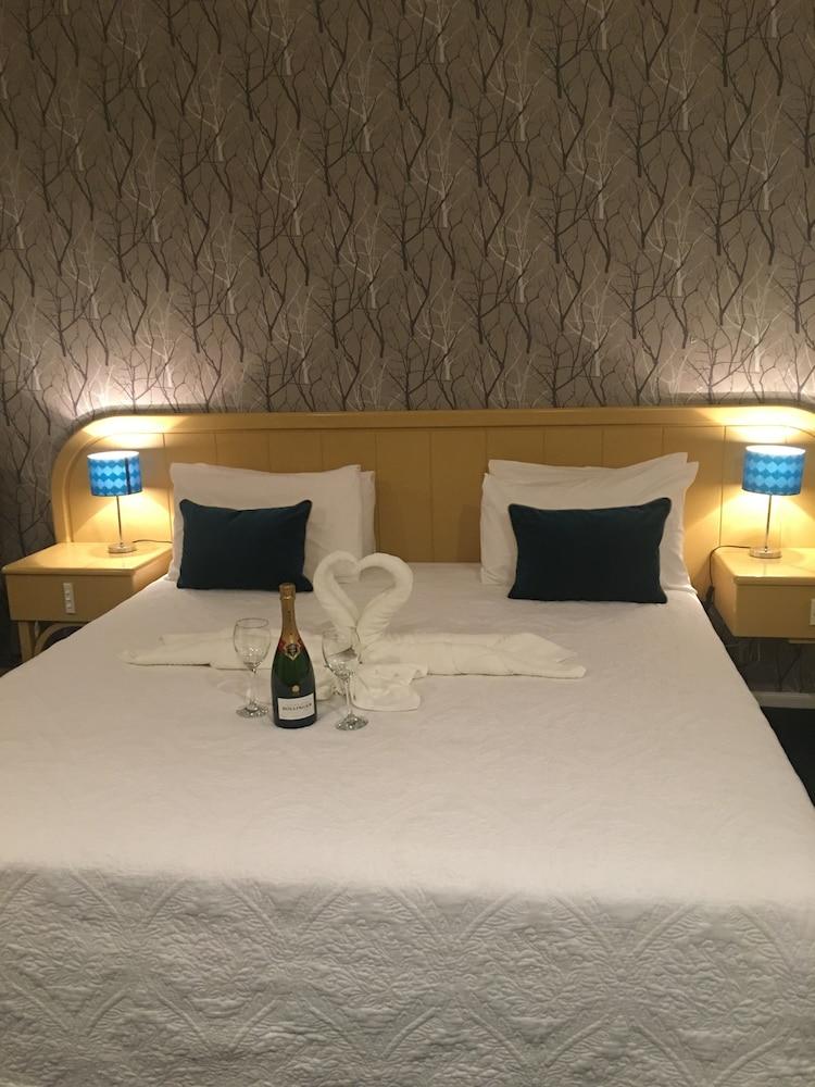 https://i.travelapi.com/hotels/5000000/4790000/4789700/4789625/01706247_z.jpg