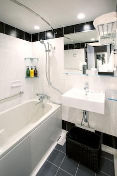 HOTEL BELLCLASSIC TOKYO Bathroom Shower
