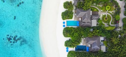 . Dusit Thani Maldives