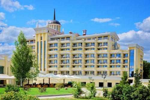 . M'Istra'L Hotel & SPA