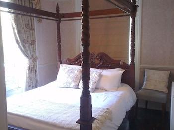 Double Room, Ensuite (Elizabeth)