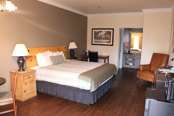 Superior Room, 1 King Bed, Ground Floor (Pet Friendly)