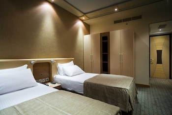 Royal Suite, 2 Bedrooms, Kitchenette
