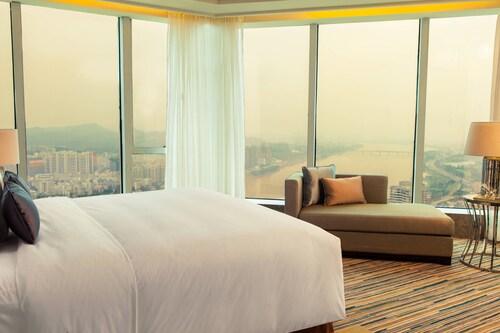 Renaissance Huizhou Hotel, Huizhou