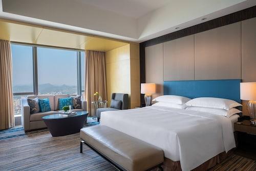 . Renaissance Huizhou Hotel