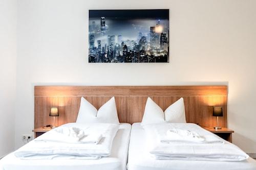 . Hotel Fresh INN