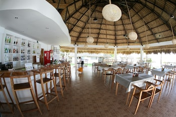 Elysia Beach Resort Donsol Restaurant