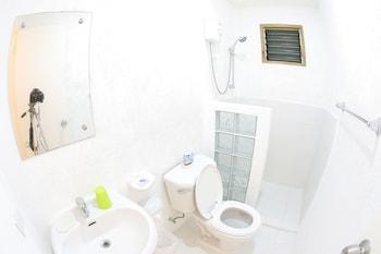 Elysia Beach Resort Donsol Bathroom