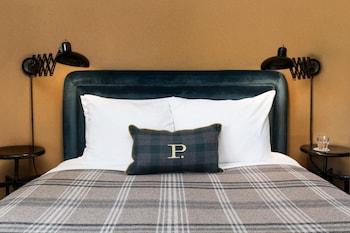 Superior Room, 1 Queen Bed (The Queen)