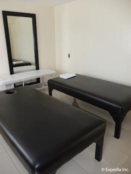 Lingganay Boracay Hotel Resort Spa
