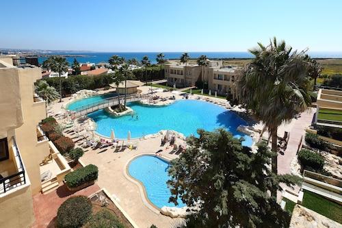 . Panareti Coral Bay Hotel