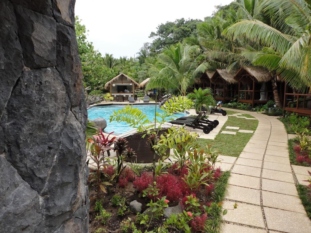 https://i.travelapi.com/hotels/5000000/4840000/4830900/4830847/9bc66320_z.jpg