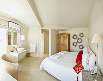 Deluxe Suite With Kitchenette (b+b)