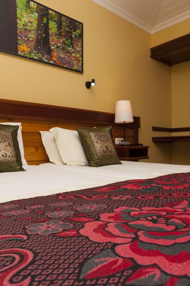 https://i.travelapi.com/hotels/5000000/4860000/4850400/4850316/6c17721d_z.jpg