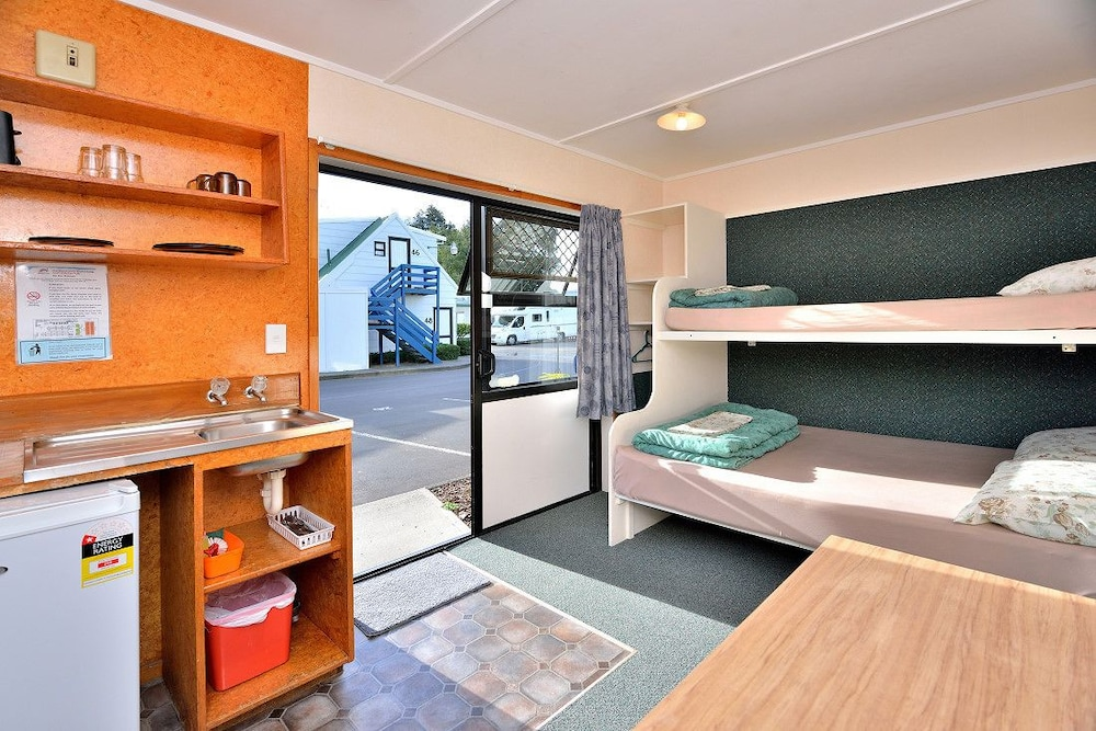 Auckland Northshore Motels & Holiday Park, Waitakere