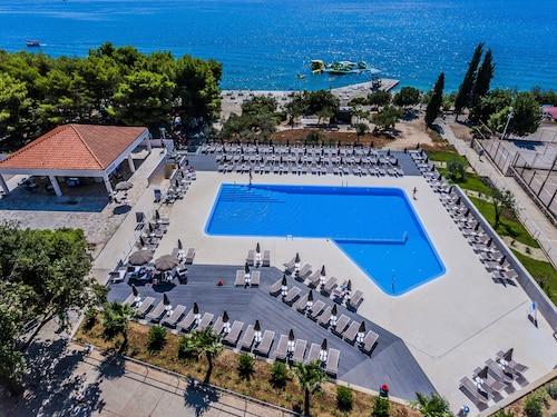. Hotel Medena