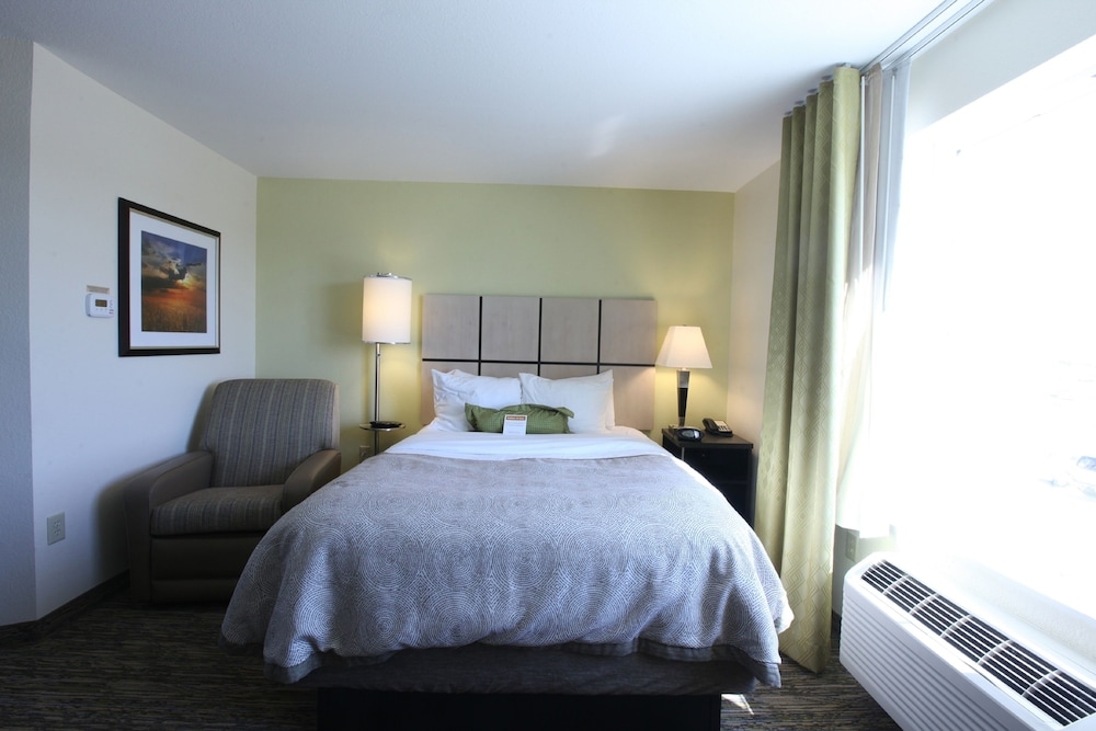 Room, 1 Queen Bed, Accessible, Non Smoking (Hearing, Mobility)
