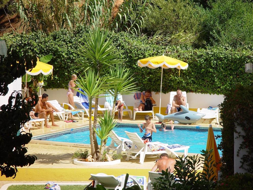 Cheerfulway Ouranova, Outdoor Pool