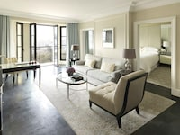 Executive Suite, One King Bed (Four Seasons Executive Suite king)