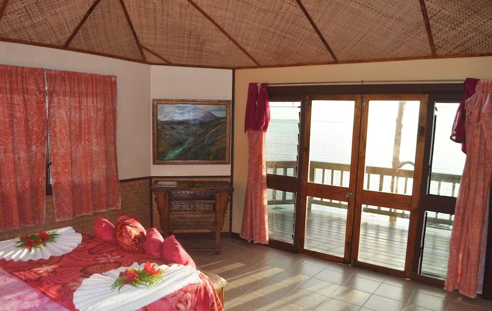 https://i.travelapi.com/hotels/5000000/4870000/4866100/4866070/c99ef9ee_z.jpg