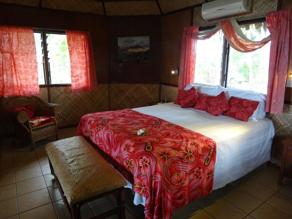https://i.travelapi.com/hotels/5000000/4870000/4866100/4866070/da0638ec_z.jpg