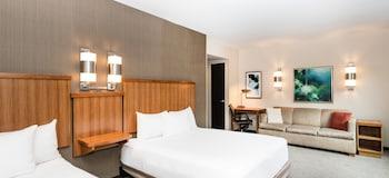 Room, 2 Queen Beds, Accessible (Shower)