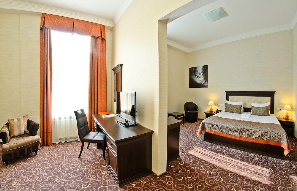 ALFAVITO Kyiv Hotel