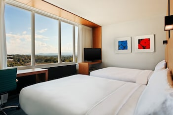 aloft, Room, 2 Queen Beds, Mountain View
