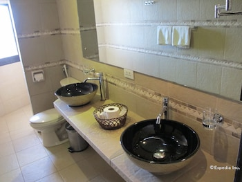Utopia Resort And Spa Puerto Galera Bathroom Sink