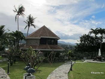 Utopia Resort And Spa Puerto Galera Property Grounds
