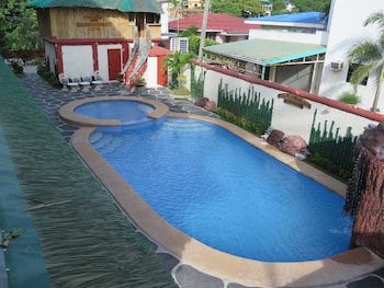Badladz Beach Resort Puerto Galera Outdoor Pool