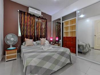 Roxon Apartments Boracay Guestroom