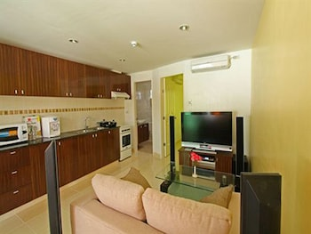 Roxon Apartments Boracay Living Room
