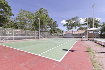 Pacific Cebu Resort Tennis Court