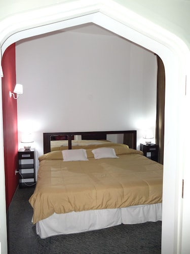 Stelares Hotel Boutique, Capital