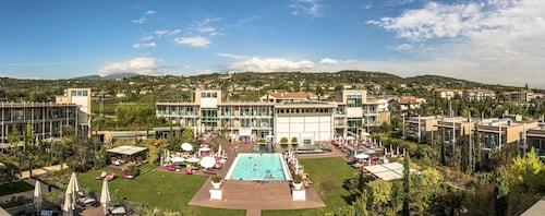 . Aqualux Hotel Spa & Suite