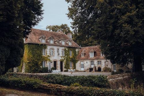 . Château Les Dryades