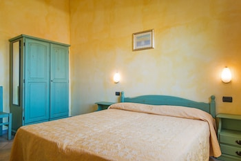 Standard Apartment, 2 Bedrooms (6 pax)