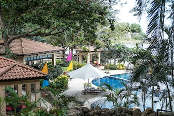 Club Punta Fuego Batangas Outdoor Pool