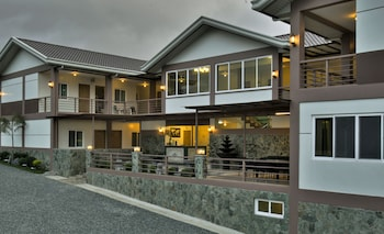 Tagaytay Wingate Manor - Featured Image  - #0
